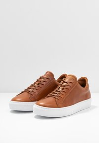 GARMENT PROJECT - TYPE - Trainers - cognac