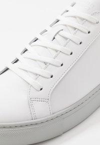GARMENT PROJECT - TYPE - Sneaker low - white/light grey - 5