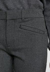 GAP Petite - SKINNY TEXTURE - Pantalon classique - grey heather/white - 3