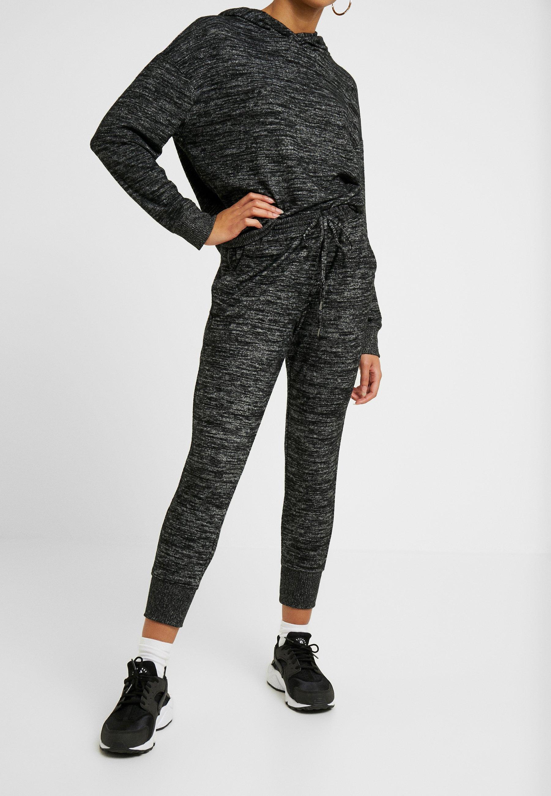 GAP Petite COZY - Spodnie treningowe - black