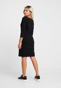 GAP Petite - BOATNECK DRESS - Fodralklänning - true black - 3