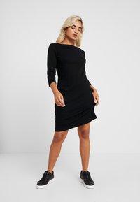 GAP Petite - BOATNECK DRESS - Fodralklänning - true black - 0