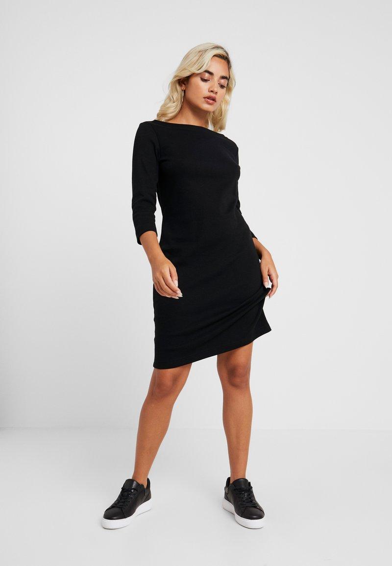 GAP Petite - BOATNECK DRESS - Fodralklänning - true black