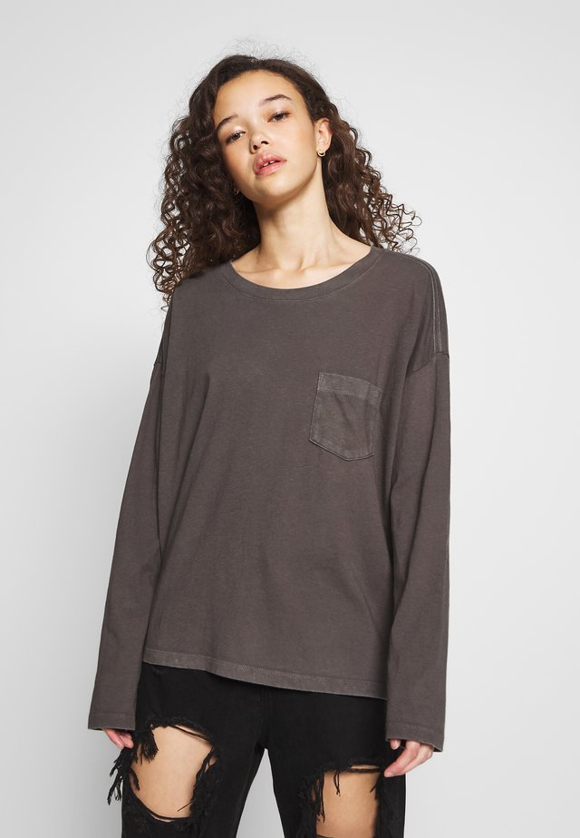 Long sleeved top - soft black