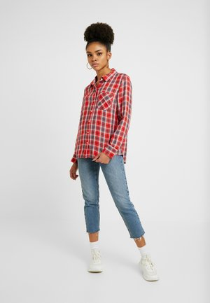DRAPEY PLAID - Button-down blouse - red/blue