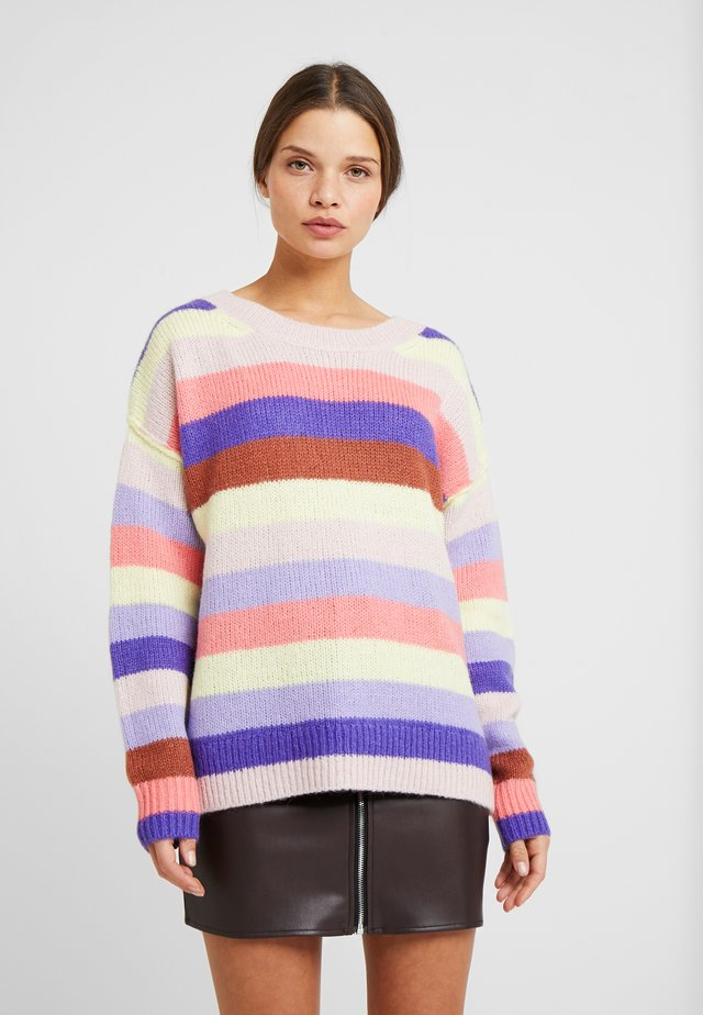 RELAXED CREW STRIPE - Strikkegenser - purple stripe