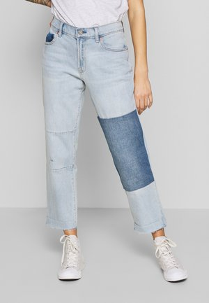 V-GIRLFRIEND GARDENIA PATCH - Jeans a sigaretta - light wash