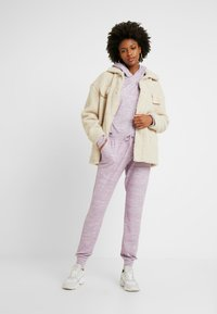 Gap Tall - COZY - Tracksuit bottoms - amethyst - 1
