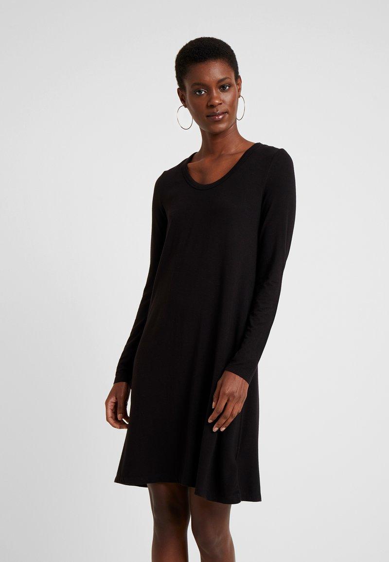 Gap Tall - SWING - Robe en jersey - true black