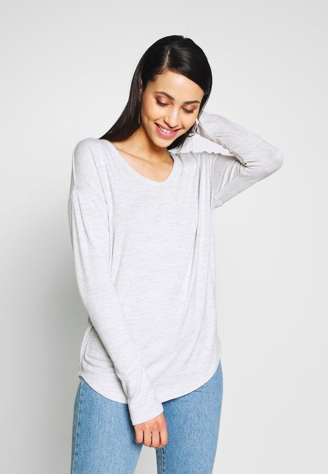 SFTSPN - Stickad tröja - trek grey