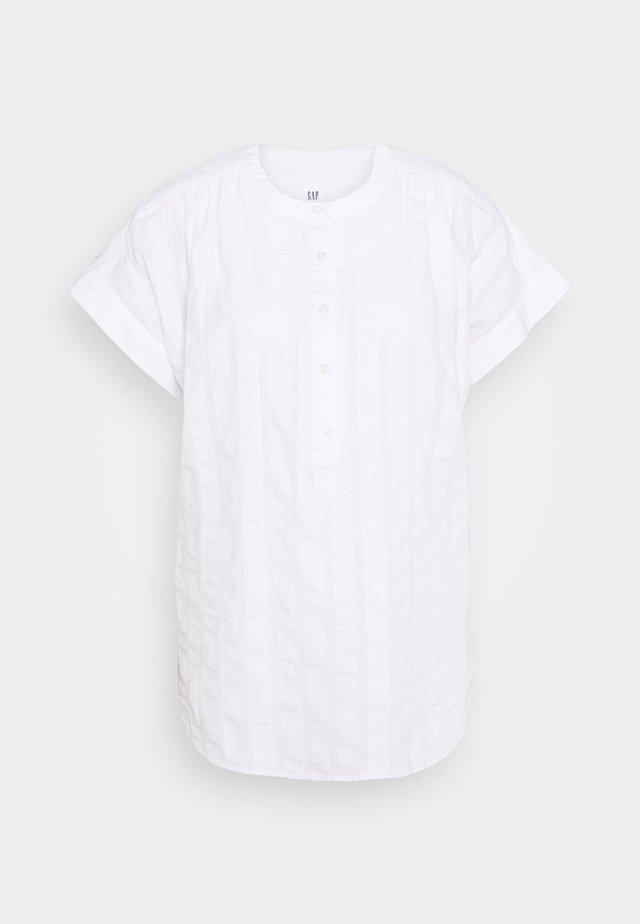 SHIRRED EASY POPOVER DOBBY - Blus - fresh white