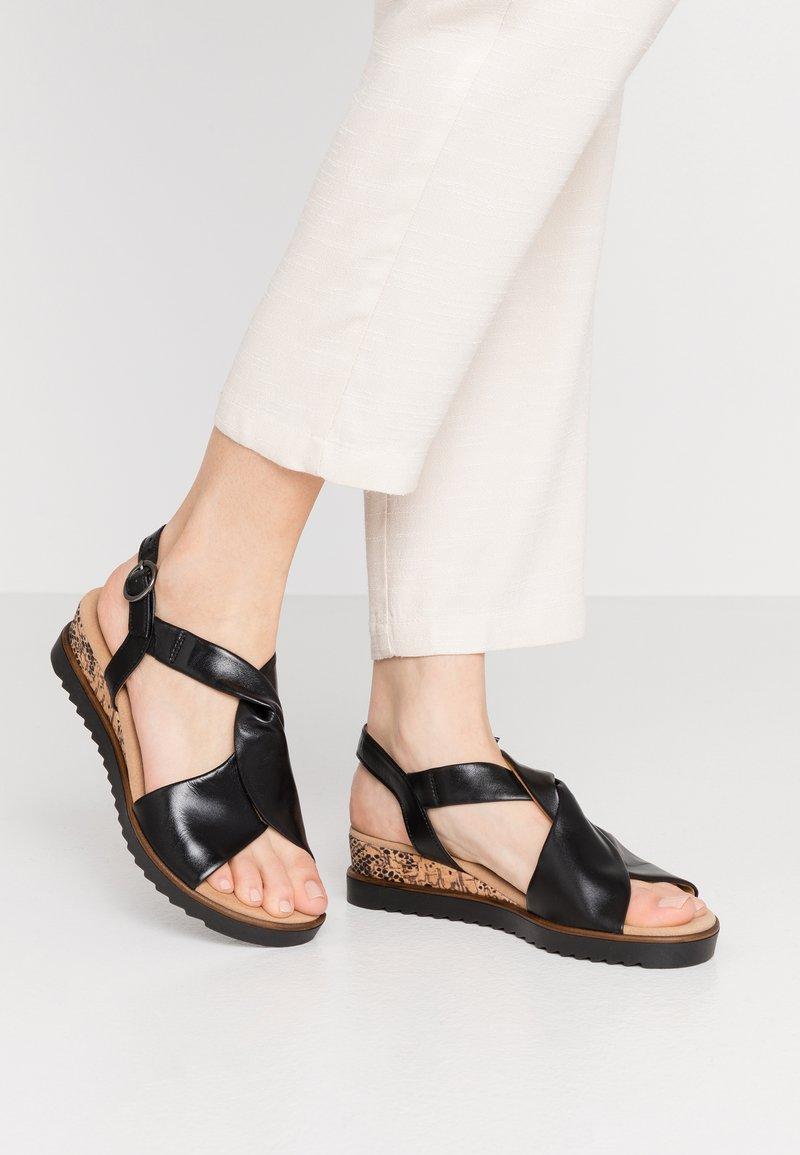 Gabor Comfort - Sandalen met sleehak - schwarz