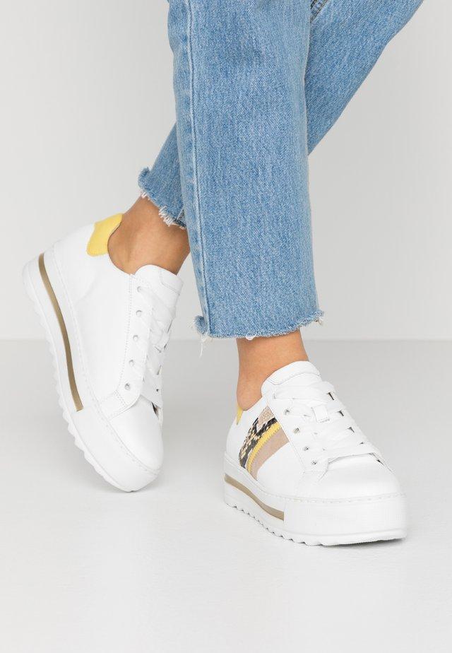 Sneakers laag - weiß/sun