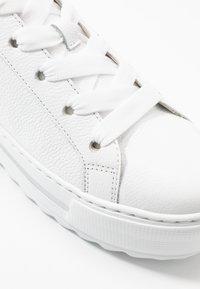 Gabor Comfort - Sneakers laag - weiß/natur - 2