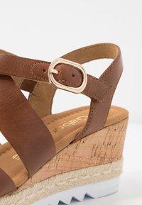 Gabor Comfort - Sandalen met plateauzool - peanut - 2