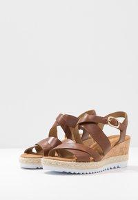 Gabor Comfort - Sandalen met plateauzool - peanut - 4