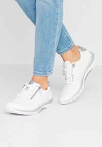 Gabor Comfort - ROLLING SOFT - Sneakers - weiß/silber - 0