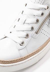 Gabor Comfort - Sneakers laag - weiß - 2