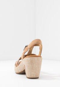 Gabor Comfort - Sandalen met plateauzool - caramel/desert - 5