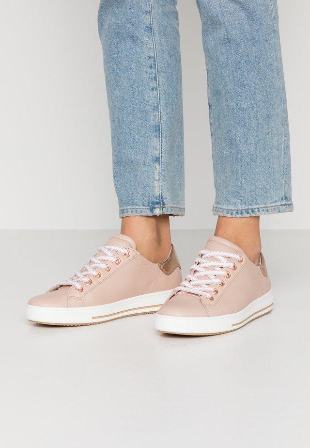 Sneakers laag - rose/rame