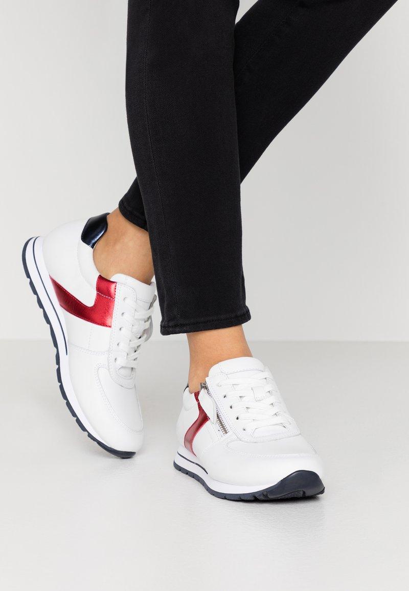 Gabor Comfort - Sneakers - weiß/pazifik/rosso