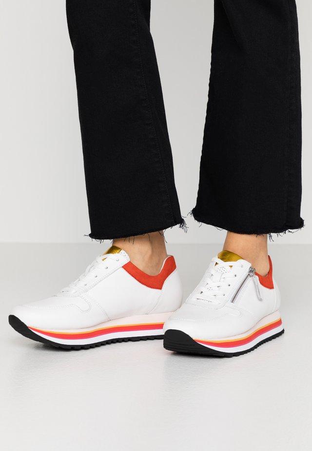 Sneakersy niskie - weiss/rot/mango/schwarz