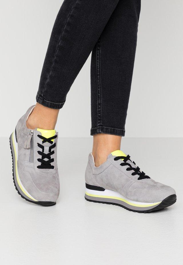 Sneakers laag - donkey/neongelb