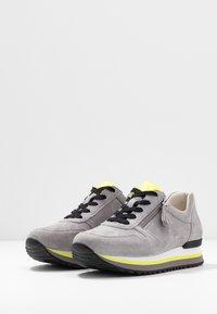 Gabor Comfort - Sneakers - donkey/neongelb - 4