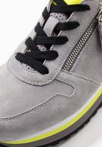 Gabor Comfort - Sneakers - donkey/neongelb - 2