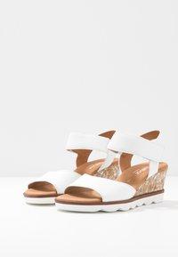Gabor Comfort - Sandalen met sleehak - weiß - 4