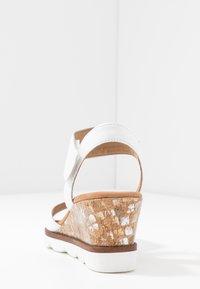 Gabor Comfort - Sandalen met sleehak - weiß - 5