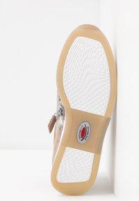 Gabor Comfort - ROLLING SOFT  - Baskets basses - grey/rosso - 6