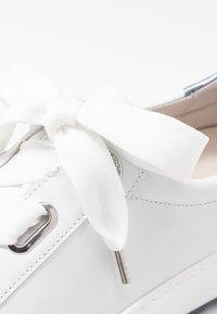 Gabor Comfort - Sneakers laag - weiß/azur - 2