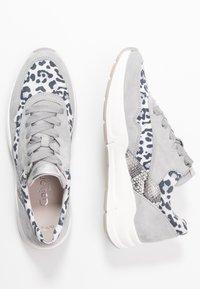 Gabor Comfort - Sneakers laag - light grey/silber - 3