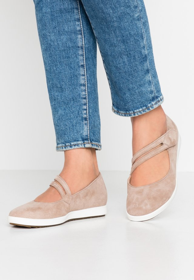 Ankle strap ballet pumps - rabbit