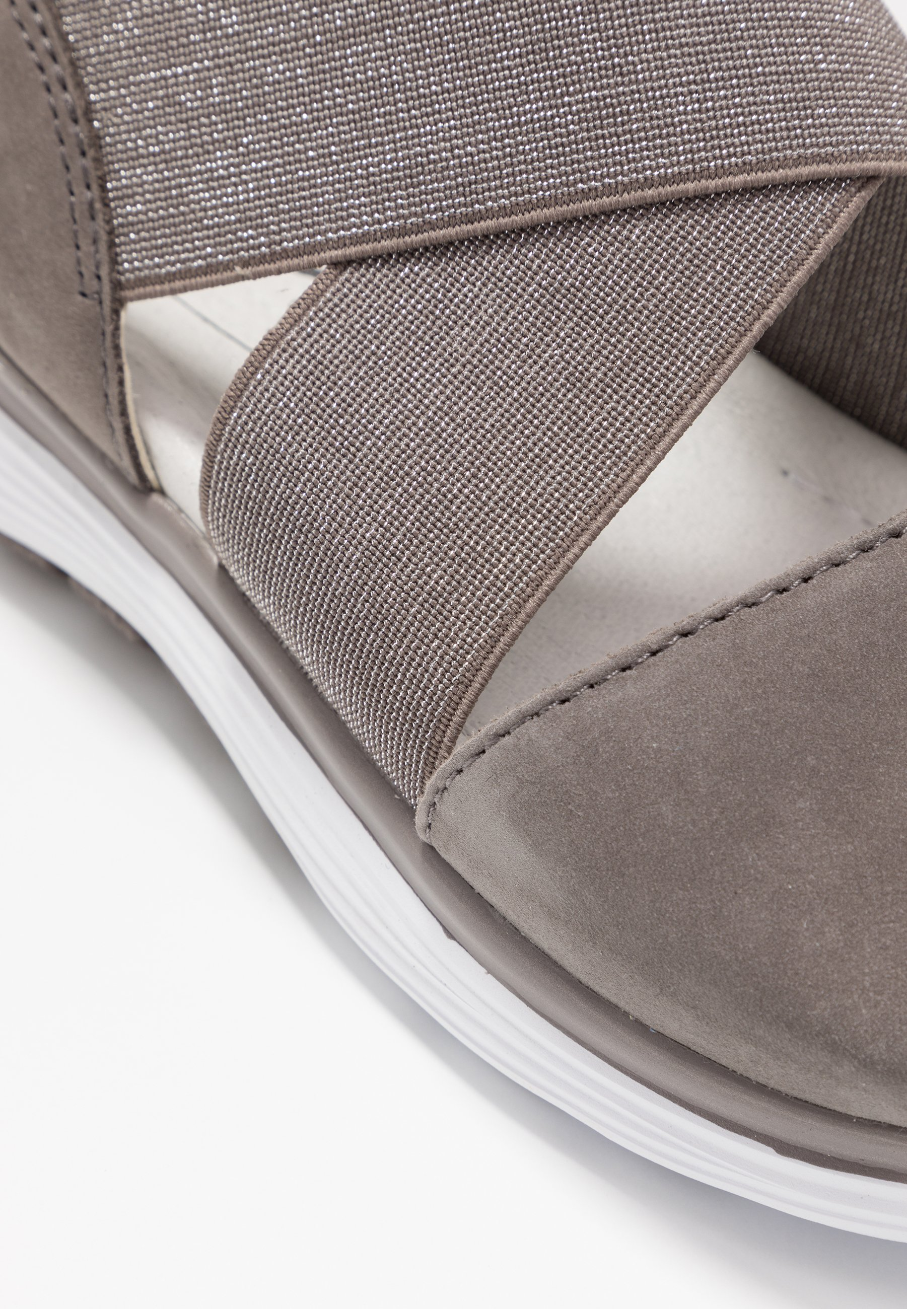 Sandalen met plateauzool fumo