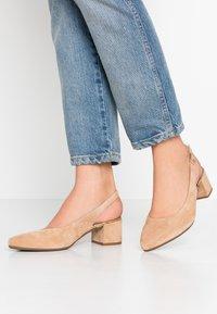 Gabor Comfort - Classic heels - caramel - 0