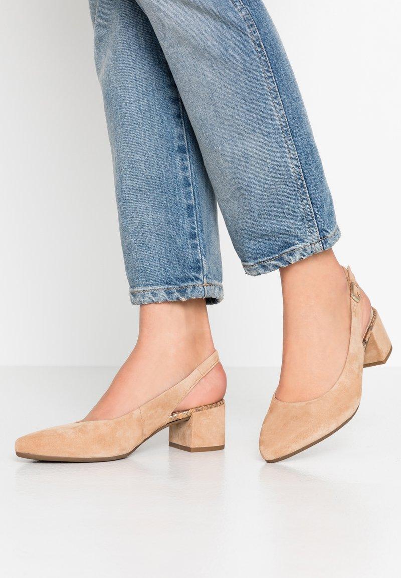Gabor Comfort - Classic heels - caramel