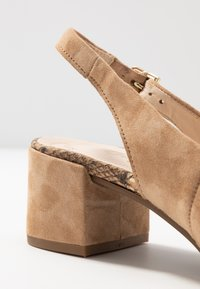 Gabor Comfort - Classic heels - caramel - 2