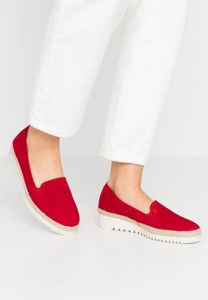 Nazouvací boty - rubin