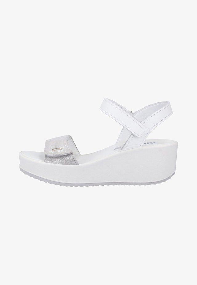 Sandaler m/ kilehæl - perla