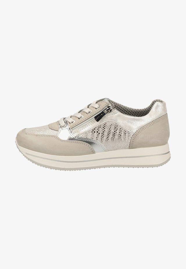 Sneaker low - perla
