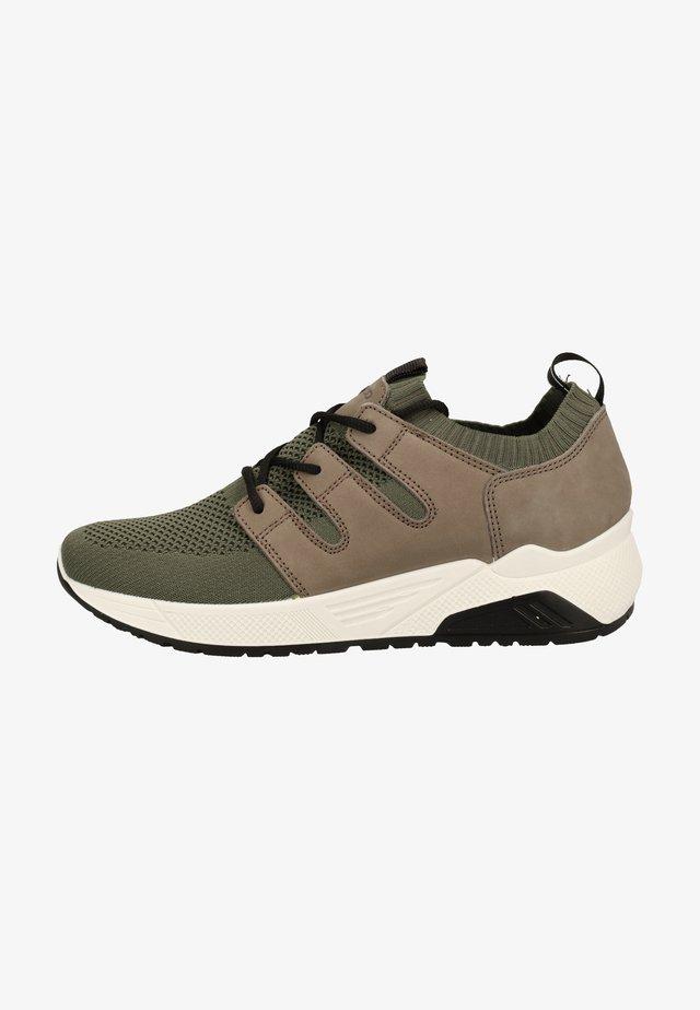 Sneakers - military
