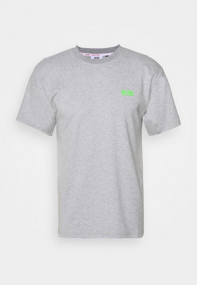BASIC TEE - T-shirts - grey