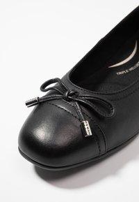 Geox - ANNYTAH - Ballet pumps - black - 2