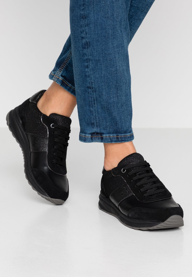 Geox - AIRELL - Sneakers laag - black