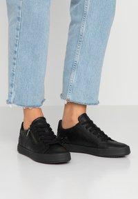 Geox - BLOMIEE - Sneakers - black - 0