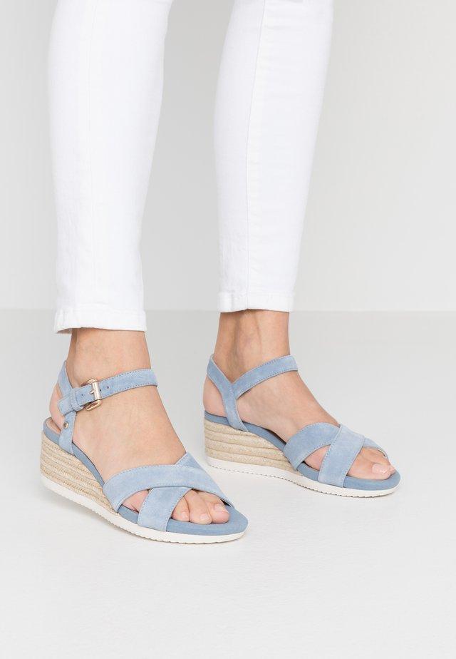 ISCHIA CORDA - Sandaletter med kilklack - light blue