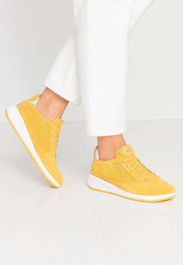AERANTIS - Zapatillas - light yellow