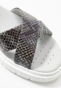 Geox - TAMAS - Sandalias con plataforma - dark grey/taupe - 2